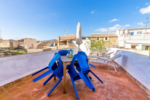 Large terrace of 40 sqm on the first floor