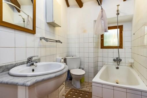 Bathroom with bathub