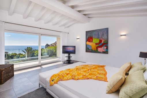 Tower room with panoramic views of the sea