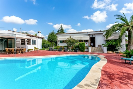 Vintage villa with pool and sports field in Es Garrovers