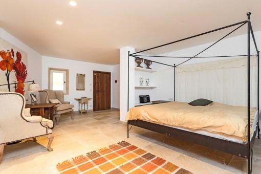 Spacious guest bedroom