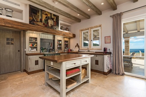 Fully equipped country style kitchen