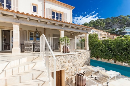 Sophisticated luxury villa with natural-stone facade surprising interior in Puerto Andratx