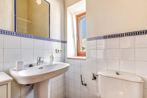 Bright and friendly bathroom