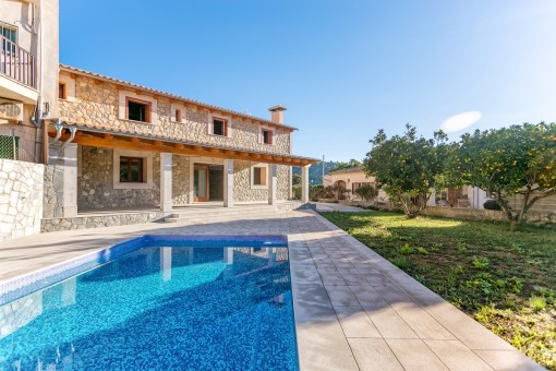 Fantastic, newly-built house with pool and panoramic views in the heart of Mancor de la Vall