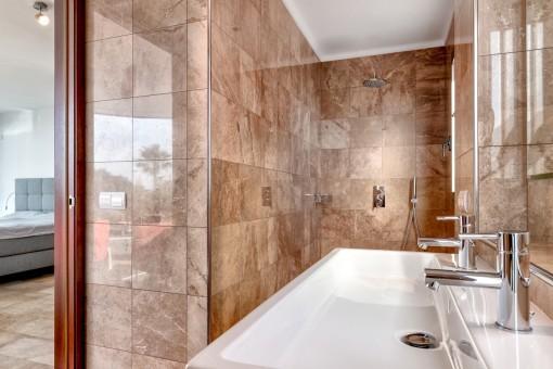 Master bathroom en suite with shower