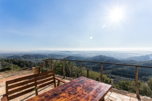 The balcony of Mallorca! Historical house with sensational views, in a very exclusive location in Biniaroy