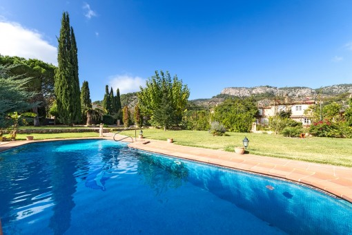 Outstanding finca close to Esporles, with wonderful views, swimming pool and guest house