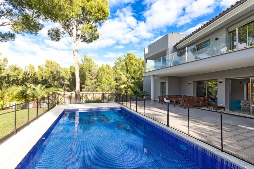 Spectacular Modern House With All Facilities Purchase