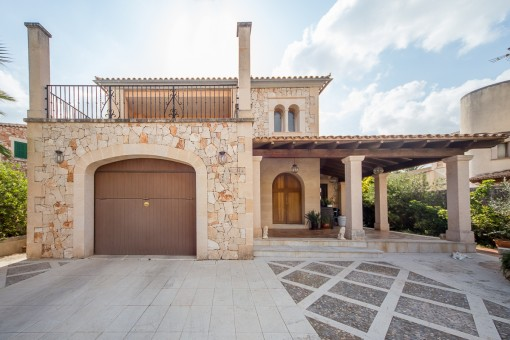 Wonderful natural stone house with pool in Campos