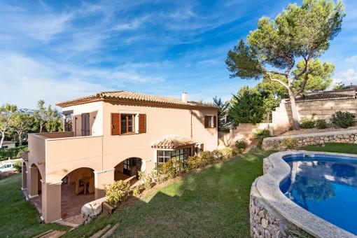 The villa is designed in a finca-style