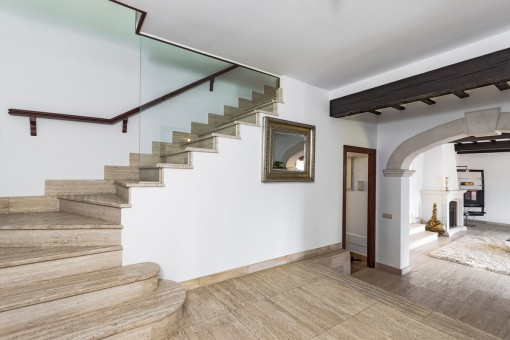 Entrance area and staircase to the upper floor