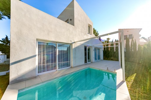 Modern villa with a high construction quality in a quiet residential area with pool near Alcudia