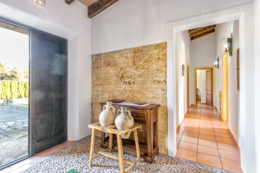 Lovely entrance area with mallorquin tiles and natural stone