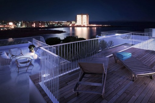Enjoy summer nights on the roof terrace close to the sea