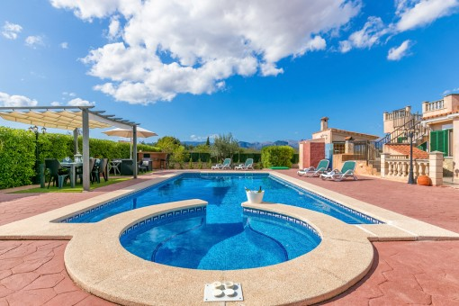 The swimming pool is the heart of the finca