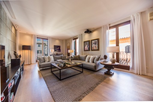 Spectacular bright and modern apartment in the centre of the old town
