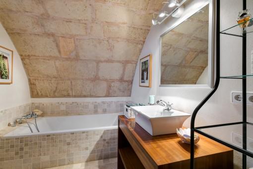 Bathroom in sandstone colours