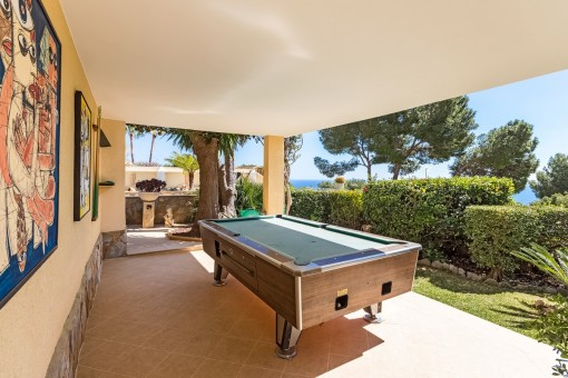 Great games area with billiard table