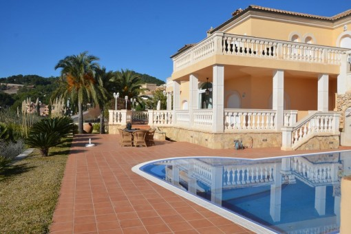 Luxurious villa with magnificent view overlooking the sea in Camp de Mar