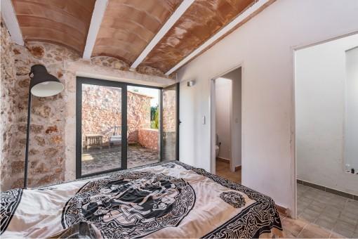 The bedroom offers terrace and bathroom en suite
