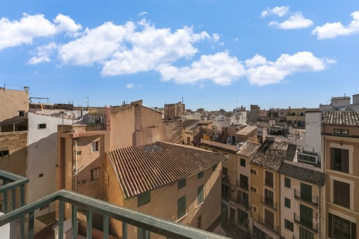 The charming apartment is situated in a privileged location