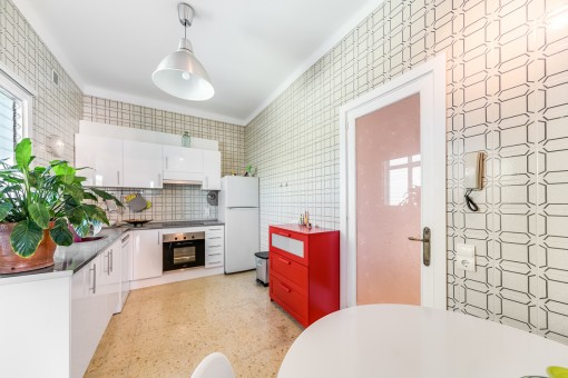 Beautiful and fully equipped kitchen