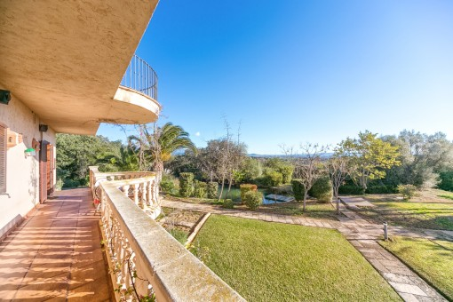 The villa offers various terraces and a wonderful garden with gorgeous views