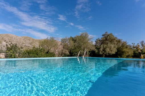 Wonderful views from the pool to the Tramuntana mountains