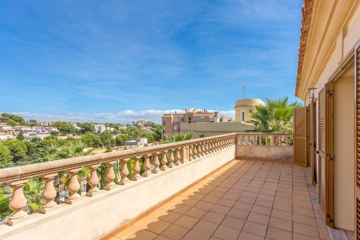 Balcony of 30 sqm with lovely views