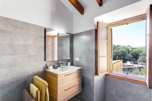 Modern bathroom with views