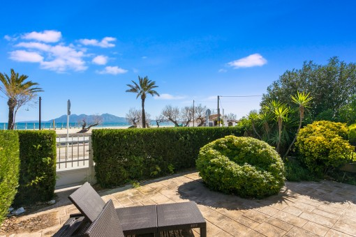 Exclusive apartment with beach access and one of the best views over the whole bay