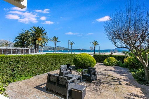 Beautiful green garden with beach access