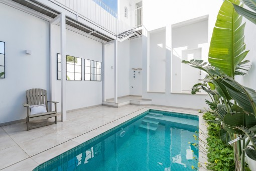 The pool area provides privacy