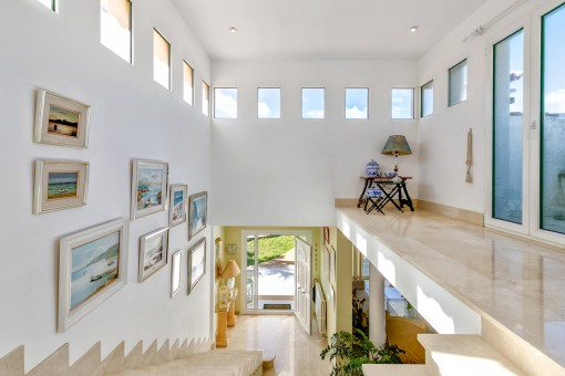 Bright gallery with access to the balcony