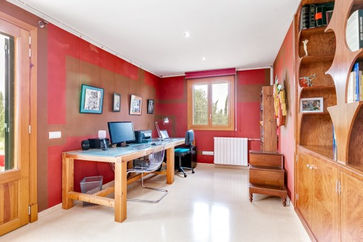 The working room can be also used as a bedroom