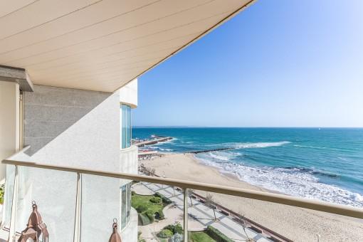 Breathtaking views to the beach promenade