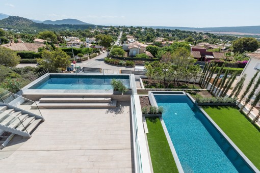 The villa offers 2 swimming pools