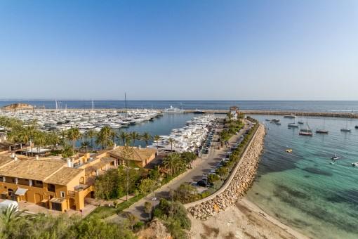 Specatcular views to the marina of Puerto Portals
