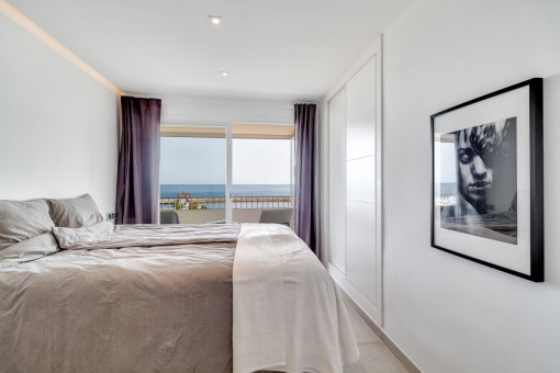Comfortable bedroom with terrace and sea views