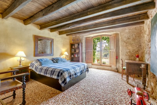Authentic double-bedroom with floor made of stones