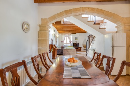 The mallorcan finca has high ceilings and a standstone arch