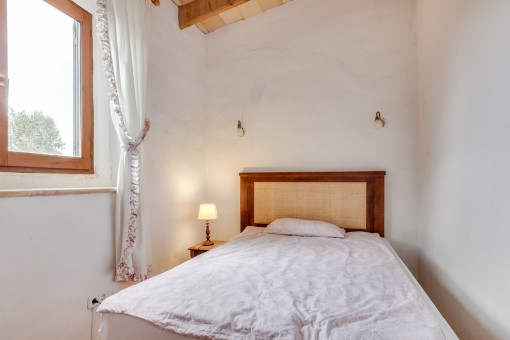 The finca offers in total 6 bedrooms