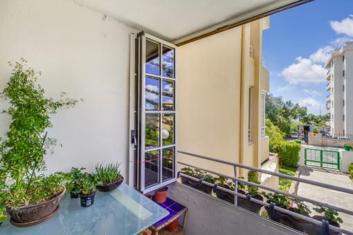 Alternative views of the balcony