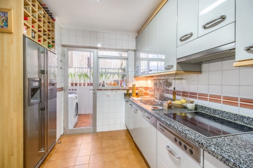 Fully equipped kitchen with utility room