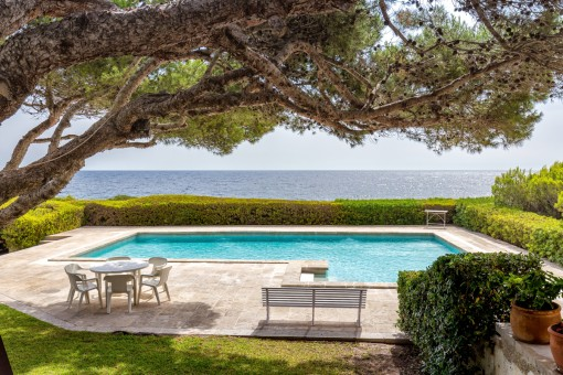Wonderful villa on the first sea line in Cala Ratjada