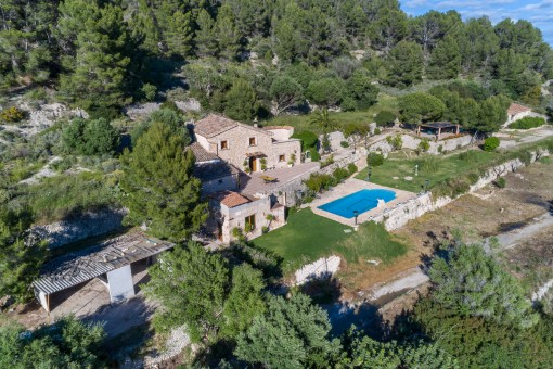 The finca stands on a 88 sqm plot