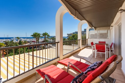 Comfortable 3-bedroom apartment with amazing sea views in Portals Nous