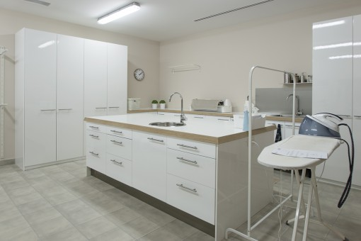 Parktical and spacious washing room
