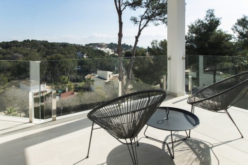 Sunny terrace with views to the surroundings